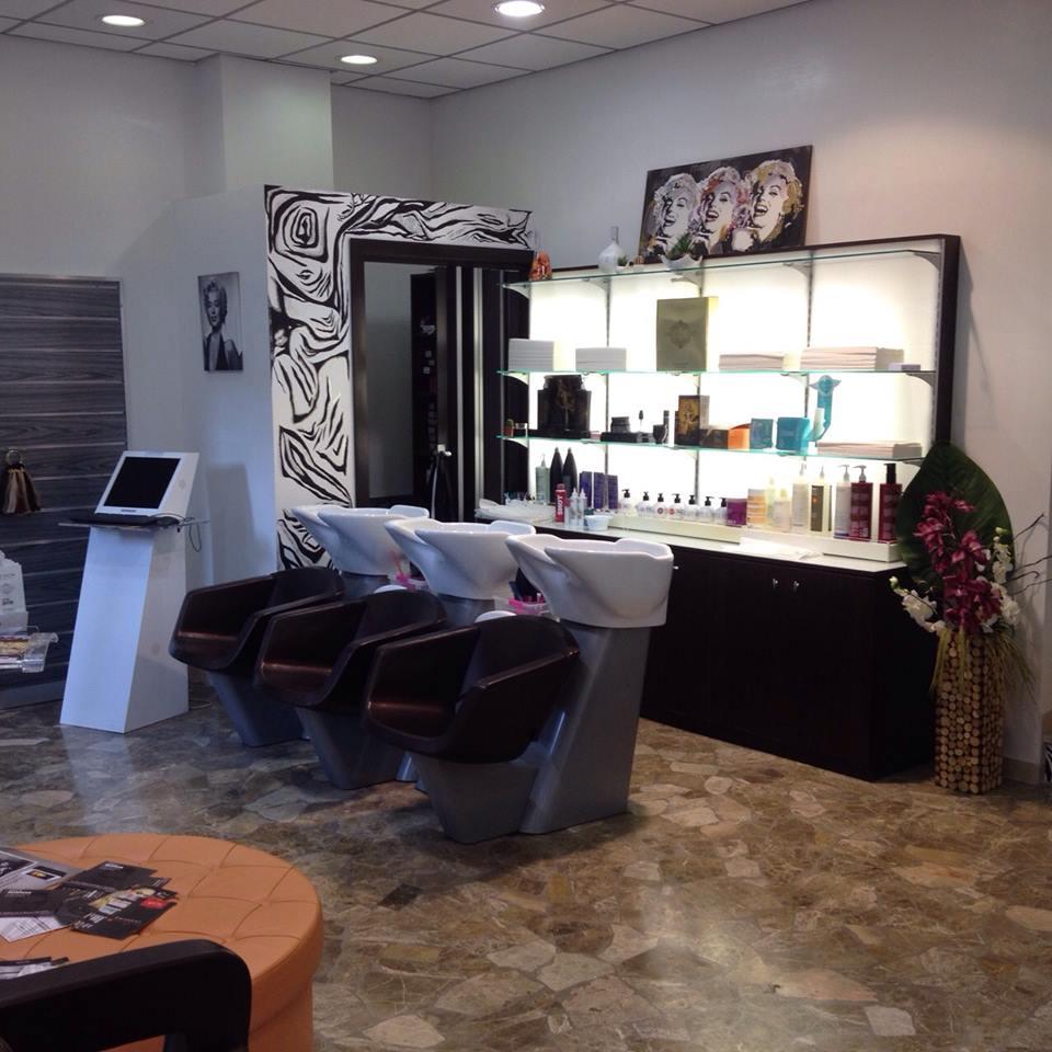 Arredamento Etnico Roma Tiburtina.The Hair Club Parrucchiere Uomo Donna Revlon Tiburtina Casal