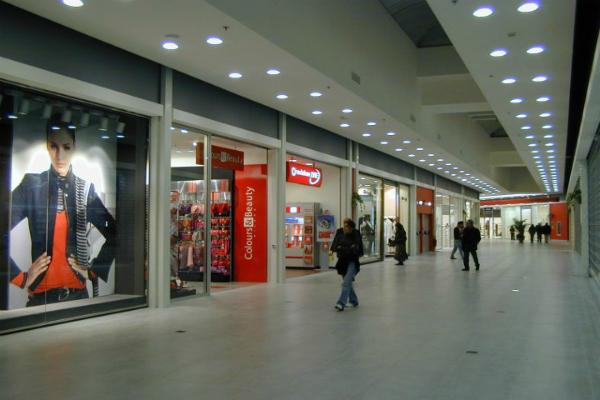 Centro Commerciale Tiberinus - interno.  9f7d95506a7625eb90a6e0c735a9e681 tiberinus3.jpg fd3e2b9f989